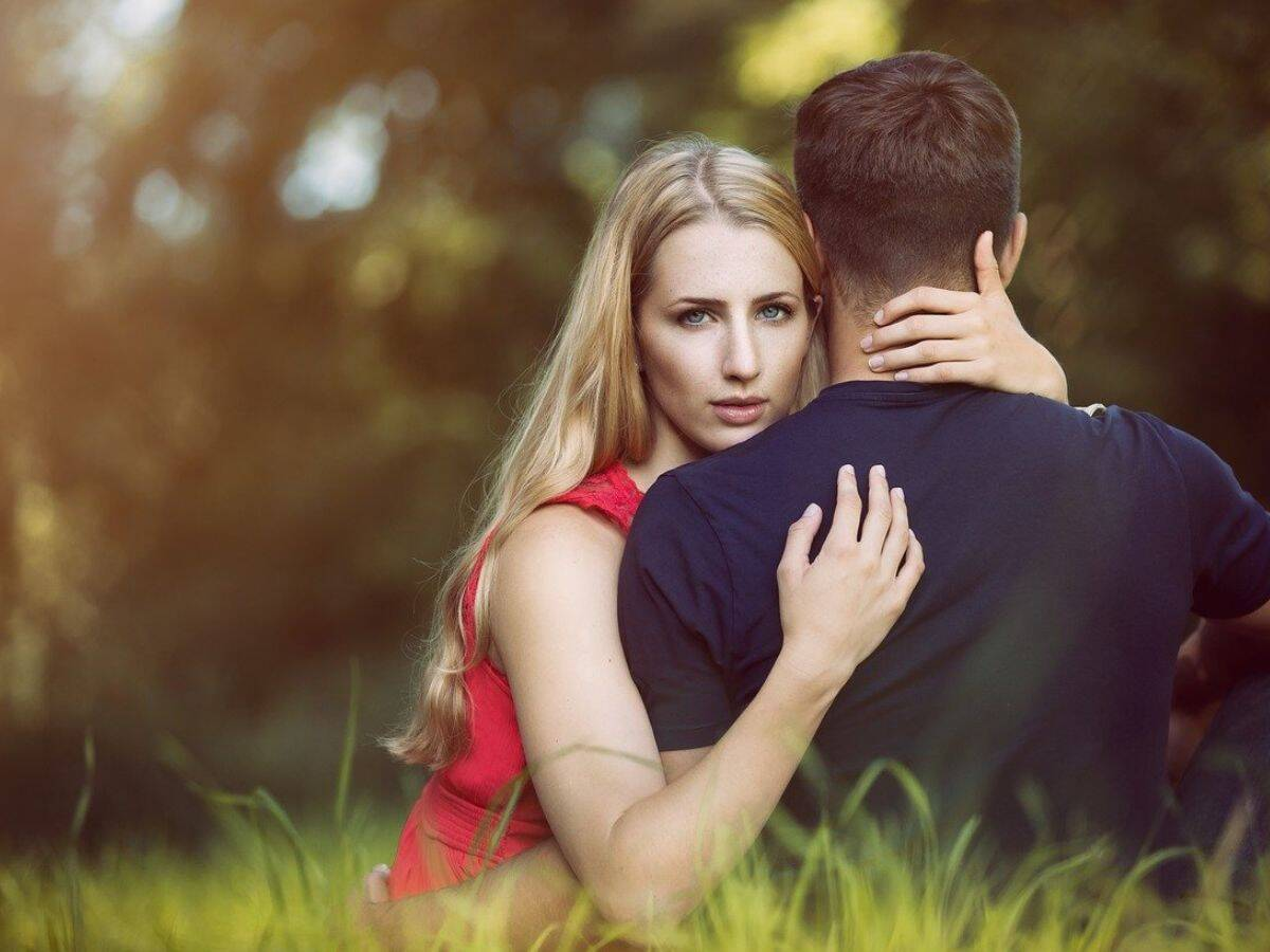 Ways to Avoid Losing Yourself in a Relationship