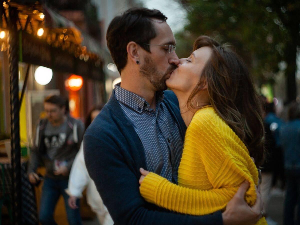 Safest Dating Sites for Widows Under 50
